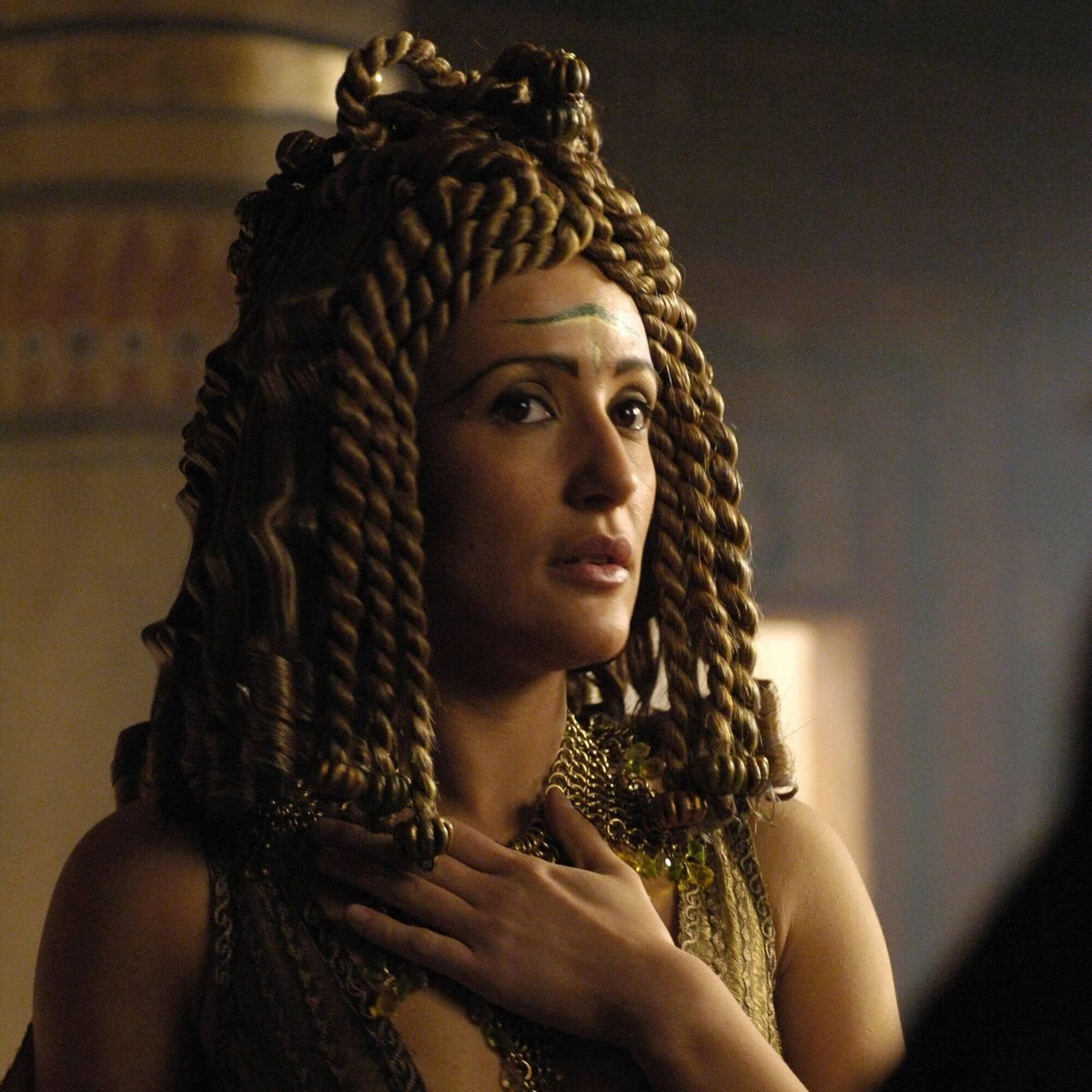 how did mark antony and cleopatra meet